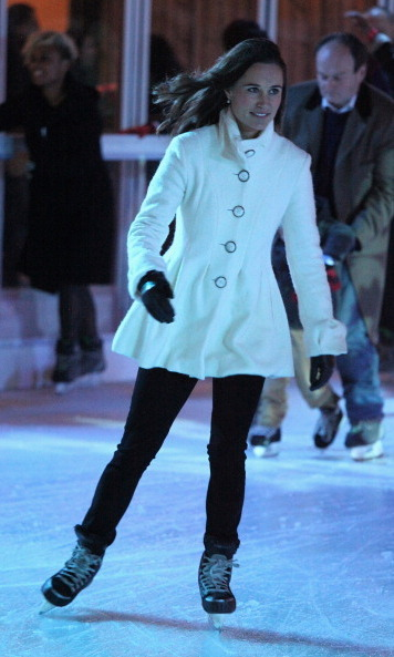 Of course, she can skate. Pippa wasn't afraid to pop on some skates and hit the ice at the Tiffany & Co. Presents Skate at Somerset House.