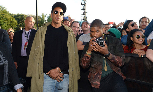 Jay Z and a newly married Usher spent some time in the audience taking pictures with some lucky fans. 