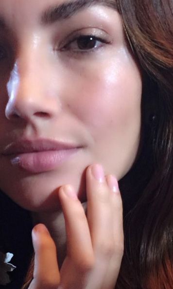 Michelle Saunders kept Lily Aldridge's nails pretty in pink for Carolina Herrera.