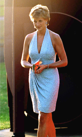 Wowing in another beaded ensemble, this time the princess opted for a short powder blue dress for an event at the Serpentine Gallery 1995.