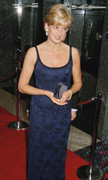 Upstaging the actors, Diana looked incredible in this midnight blue floor length dress for the premiere of 'In Love and War' at London's Leicester Square.