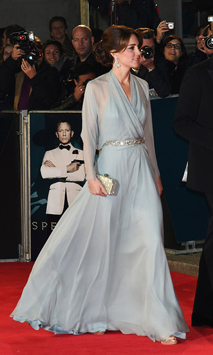 Designer Jenny Packham was again in the spotlight when Kate wowed in this powder blue transparent evening gown on the London red carpet for 007 movie 'Spectre'. <br>