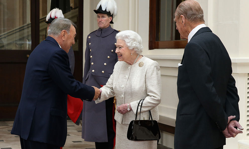 Queen Elizabeth greeted the President of the Republic of Kazakhstan, Nursultan Nazarbayeva, at Buckingham Palace  with a cheery smile. Prince Philip was on hand to support his wife. <br>Photo: Getty Images