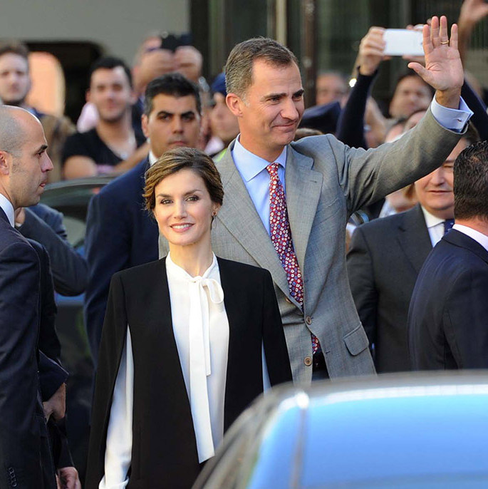 The crowds were out in force to catch a glimpse of King Felipe VI and Queen Letizia head to the Innovation and Design Awards in Malaga, Spain. <br>Photo: Getty Images