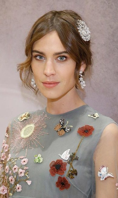 Follow in British fashionista Alexa Chung's footsteps and add a touch of sparkle to a chic up-do with a pretty hair brooch.