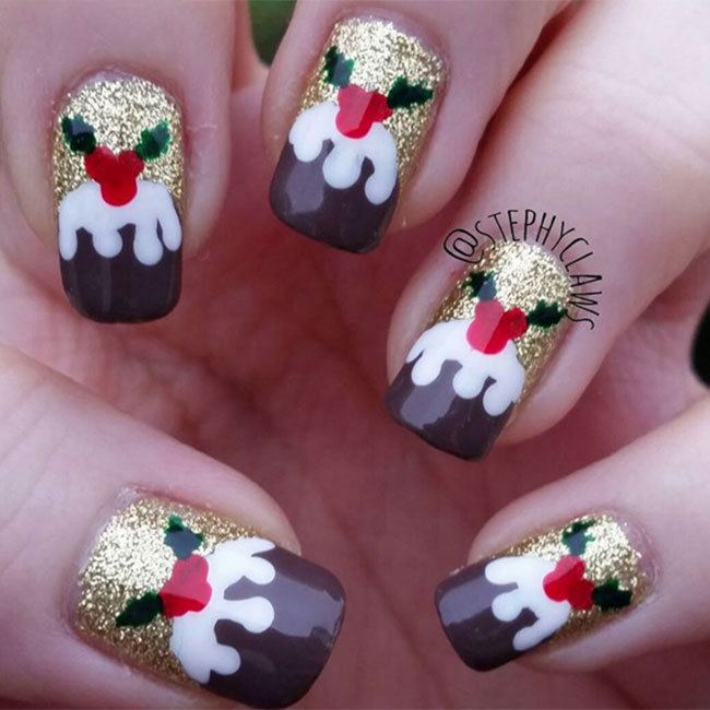 These cute Christmas pudding patterned nails by Stephy Claws are sure to make a statement at any holiday party.