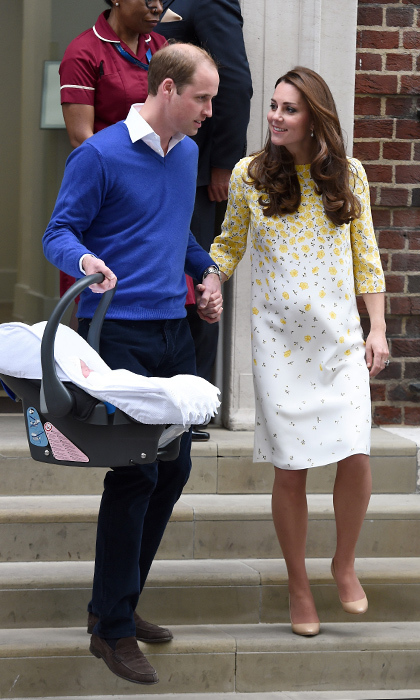 Like he had with George, Prince William was the one who toted the newborn's baby carrier when it was time to head home from the hospital.
