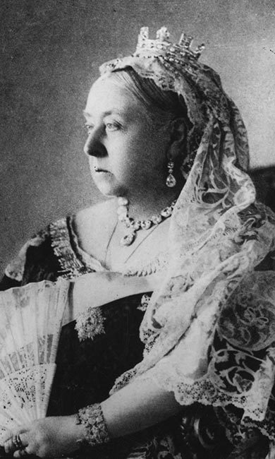 QUEEN VICTORIA: Make scents