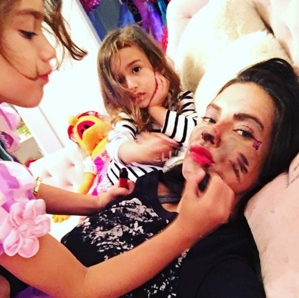 <b>HAPPINESS IS DEFINITELY THE BEST BEAUTY TRICK.</b>