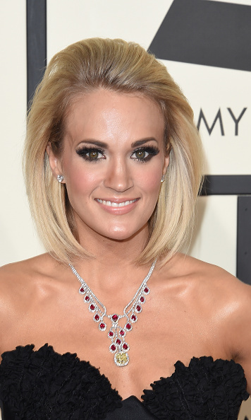 carrie underwood shows and ruby necklace a