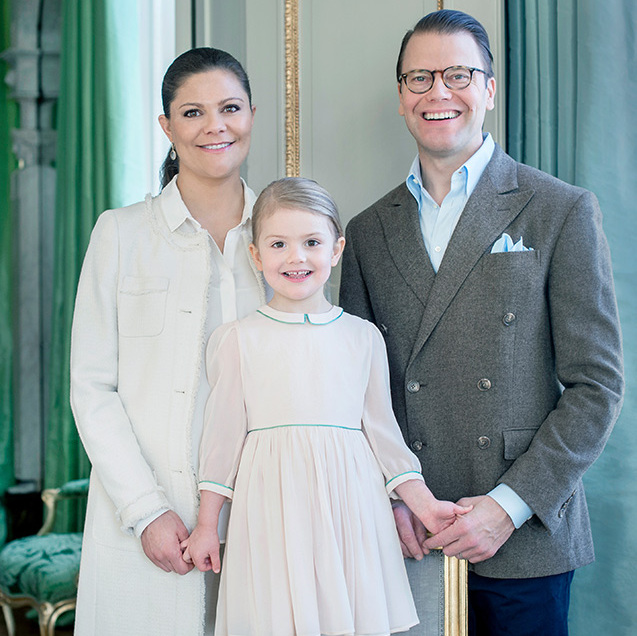 February 2016: The Swedish royals released new photos in honor of Princes Estelle's 4th birthday.