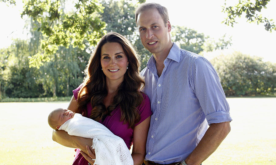 Brand new mommy Kate bonded with her husband and their new son Prince George during a family photo shoot. 