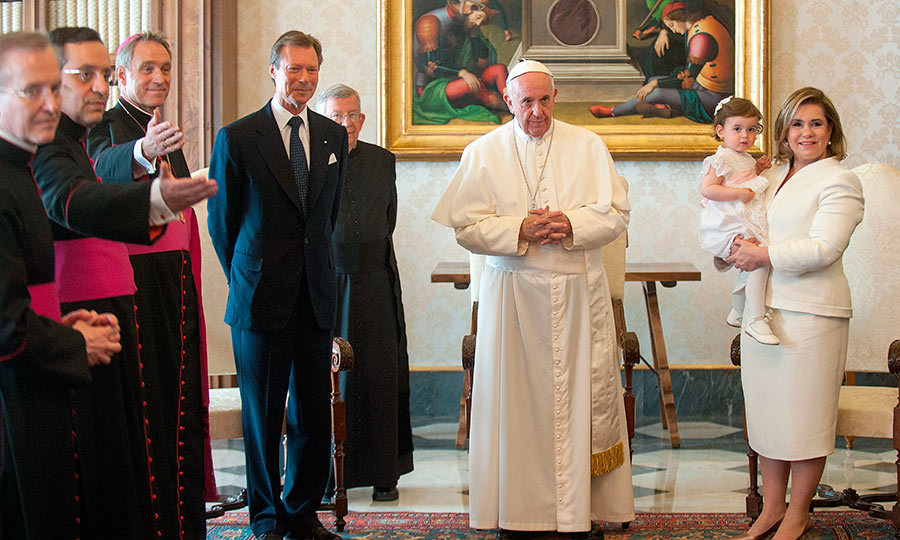 Grand Duchess Maria Teresa and Grand Duke Henri of Luxembourg took their granddaughter Princess Amalia to meet the Pope at his residence in Vatican City.