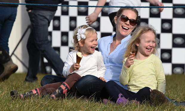 queen elizabeth s great granddaughter mia tindall cheers