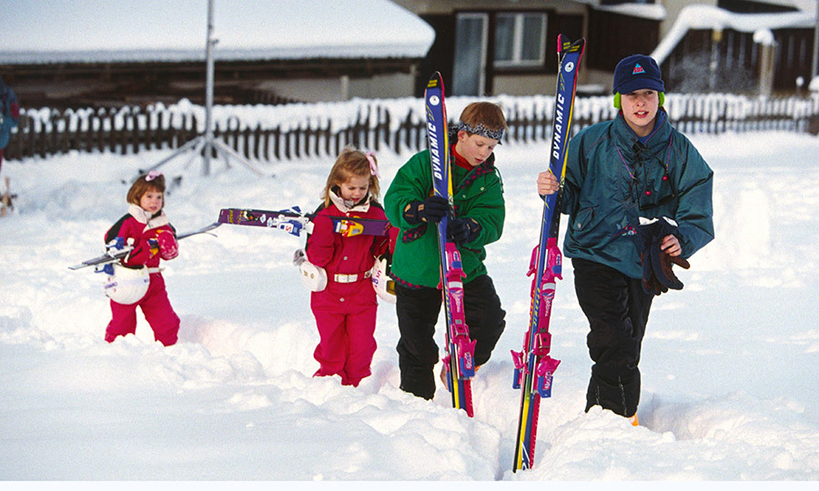 Prince William leads the way during a ski trip with Prince Harry – and their little cousins, Princess Beatrice and Princess Eugenie – during a 1995 ski trip to Switzerland. 