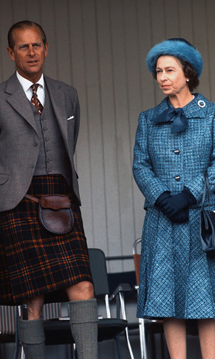 Queen Elizabeth's soft blue hat stole the show during the 1975 Braemar Highland Games. 