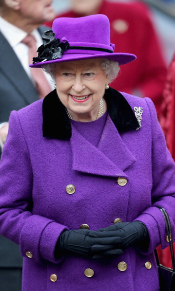 Queen Elizabeth had a purple and black hat moment during her visit to the Southwark Cathedral. 