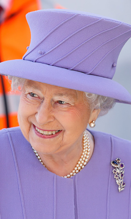 The Queen was ready for spring in a periwinkle hat and suit during the visit to the Crossrail station. 