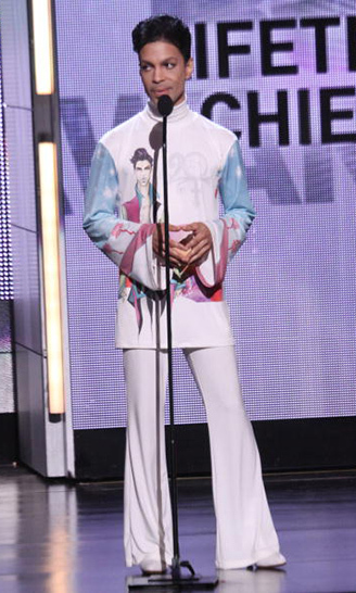 Accepting the Lifetime Achievement Award at the 2010 BET Awards. 