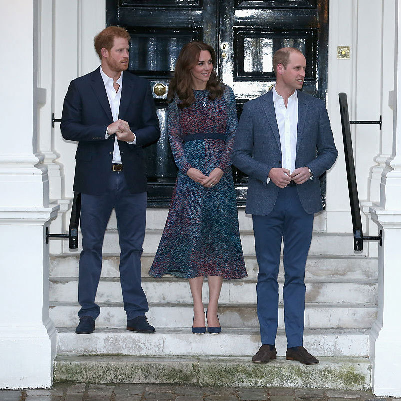 Prince Harry, Kate Middleton and Prince William awaited the arrival of the President of the United States and First Lady to their at home at Kensington Palace.