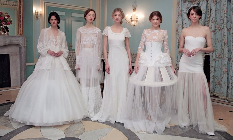 <b>Delphine Manivet</B>