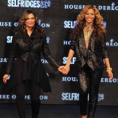 "<a href=""http://us.hellomagazine.com/tags/1/beyonce""><strong>Beyonce</a> and her mother Celestine 'Tina' Knowles:</strong>