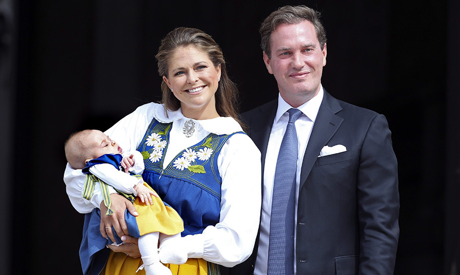 Here comes the Princess!  Princess Madeleine of Sweden and her husband Christopher O'Neill presented Leonore to the public outside of the royal palace. 