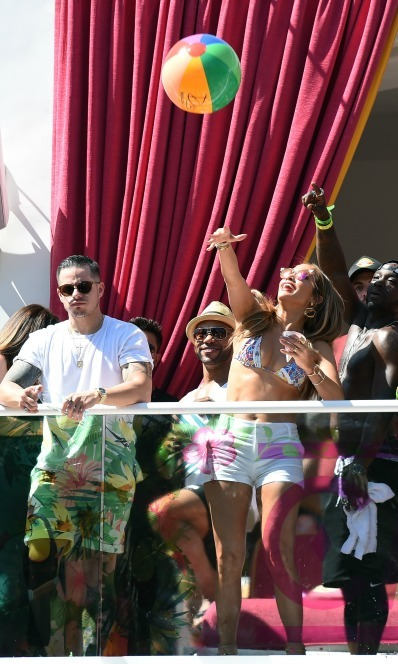 May 29: There's no party like a J.Lo party! Jennifer Lopez  had some fun in the sun with Casper Smart and lucky fans during the Carnival Del Sol pool party at Drai's Beach Club in Las Vegas. 