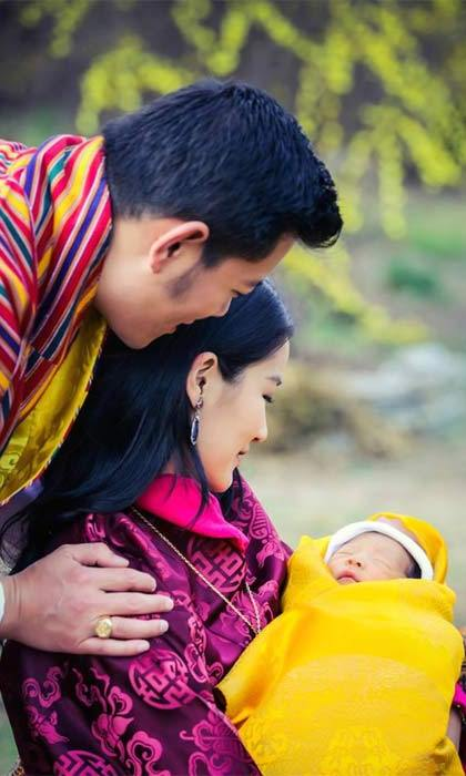 "Announcing their son's birth, the couple said that their ""happiness knows no bounds.""