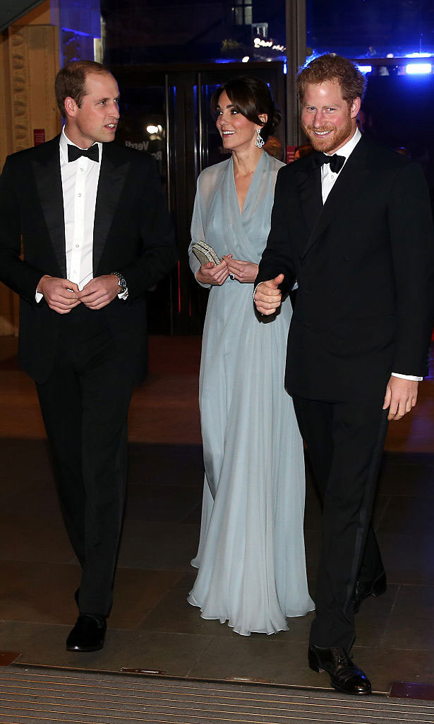 It was movie night for the royals as they attended the premiere of the 2015 James Bond movie <i>Spectre</i> at London's Royal Albert Hall. 