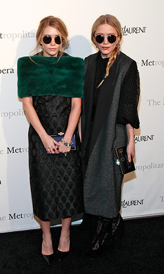 Ever so chic, the twins looked ready for their close-ups at the premiere of Rossini's <i>Le Comte Ory</i> at The Metropolitan Opera in NYC. 