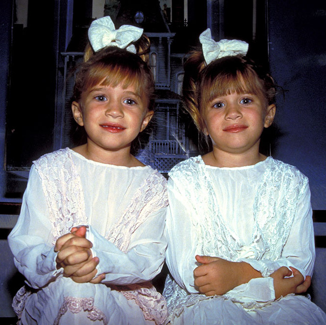 Mary-Kate and Ashley couldn't have been cuter as they posed during a 1993 photo call in NYC. 