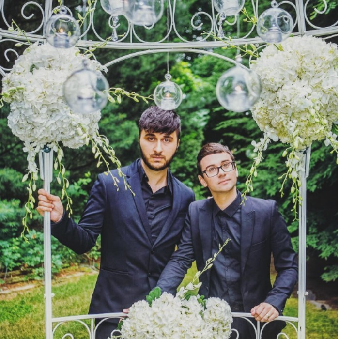 Home Tour Christian Siriano S Connecticut Home: Celebrity Week In Photos: Ashley Tisdale And Vanessa