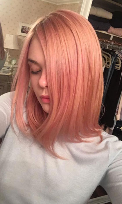"<a href=""http://us.hellomagazine.com/tags/1/elle-fanning/""><strong>Elle Fanning</strong></a> had hairstylist Jenda Alcorn switch up her blonde locks to pink.