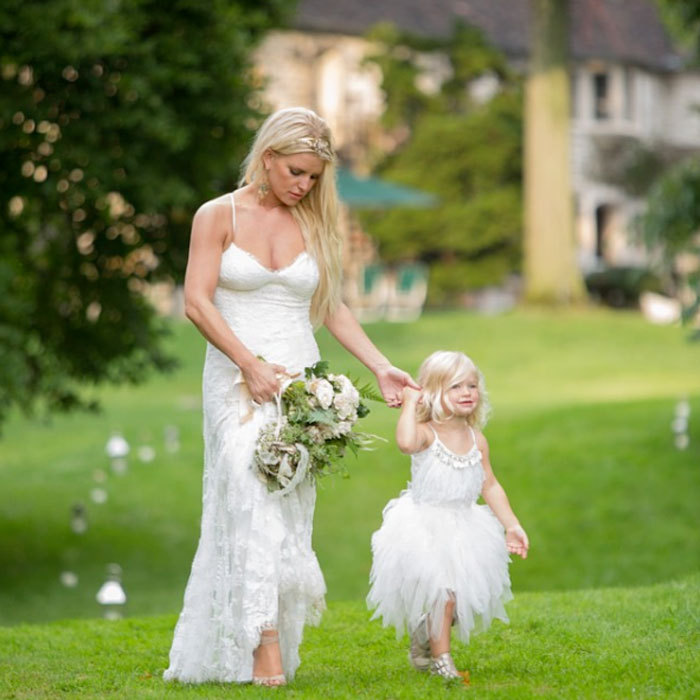 "<a href=""http://us.hellomagazine.com/tags/1/jessica-simpson"" target=""_blank"" style=""font-weight: bold;"">Jessica Simpson</a> carried out her matron of honor duties alongside her daughter Maxwell Johnson for her sister Ashlee Simpson's 2014 wedding to Evan Ross.