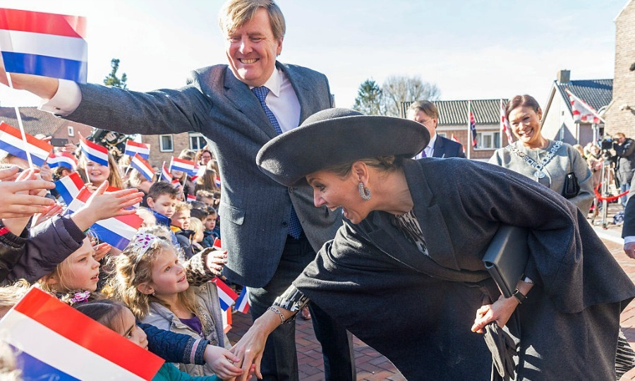 "<a href=""http://us.hellomagazine.com/tags/1/queen-maxima/""><strong>Queen Maxima</strong></a> and King Willem-Alexander of the Netherlands were greeted by a slew of excited children during their visit to the Brabant Region in Sprundel, Netherlands.