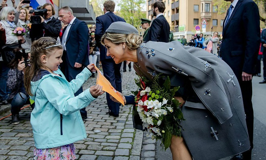 Dutch Queen Maxima received a drawing from a royal fan, while visiting the Siemens Healthcare complex in Bavaria. 
