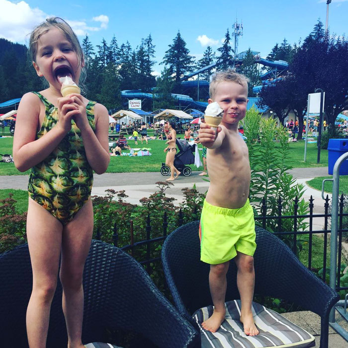 "<a href=""http://us.hellomagazine.com/tags/1/Neil-Patrick-Harris/""><strong>Neil Patrick Harris</strong></a>' twins  Harper and Gideon Scott Burtka-Harris kept cool at the Cultus Lake Waterpark snacking on ice cream cones.