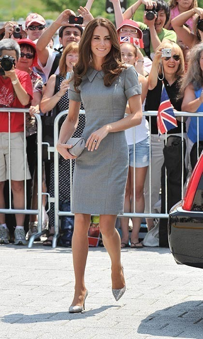 The Duchess visited the Canadian War Museum sporting a grey dress by Catherine Walker and Tabitha Simmons heels. She also carried a matching clutch by Hobbs.