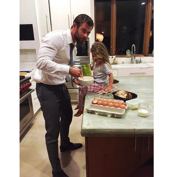"<a href=""http://us.hellomagazine.com/tags/1/chris-hemsworth/""><strong>Chris Hemsworth</strong></a> made a late night snack with daughter India after the premiere of his film <i>The Huntsman: Winter's War</i>.