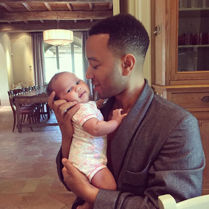 "Snuggling close to his daughter ""LuLu"" was the perfect way for <a href=""http://us.hellomagazine.com/tags/1/john-legend/""><strong>John Legend</strong></a> to start his Sunday morning.