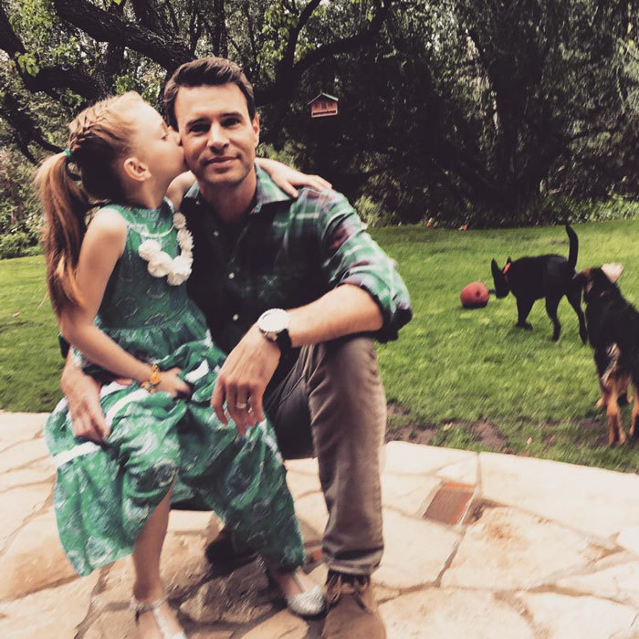 "<b>Scott Foley</b> received a kiss from his daughter Marley before heading out to a ""daddy daughter dance.""