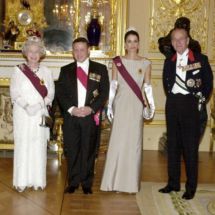 November 2001: Rania wore a satin gown and finished her look with a tiara during the Jordanian State Visit Banquet At Windsor Castle. 