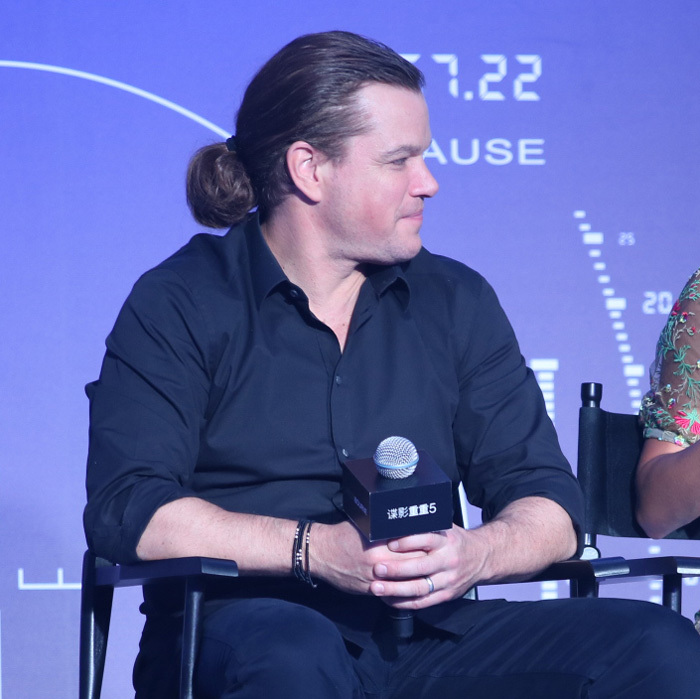 "<a href=""http://us.hellomagazine.com/tags/1/matt-damon/""><strong>Matt Damon</strong></a>'s man bun made its return August 2016 during a press event in Beijing to promote his latest film, <i>Jason Bourne 5</i>. The actor's new 'do is likely the work of extensions. Matt previously confessed on <i>The Graham Norton Show</i> that the last time he rocked the look, ""There were 700 hair extensions. It was a full day to put them in. They flew somebody all the way to Beijing to put them in. Then I had to manage that hair. I have a whole new appreciation for my wife and daughter.""