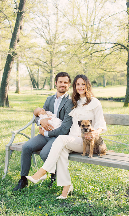 Thanking fans for their well-wishes, the Prince and Princess released five portraits of the new baby boy.