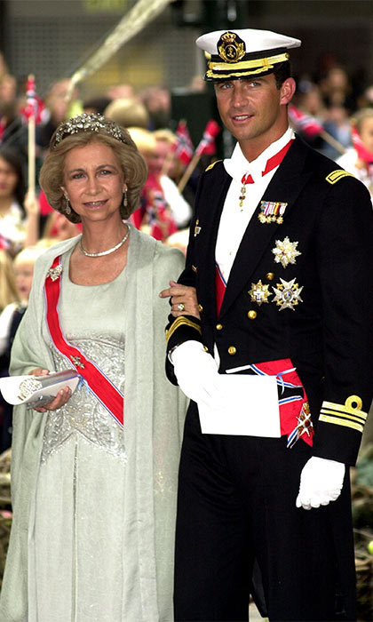 "Accompanying his mother, <a href=""http://us.hellomagazine.com/tags/1/queen-sofia"" target=""_blank""><strong>Queen Sofia of Spain</strong></a>, the then <a href=""http://us.hellomagazine.com/tags/1/king-felipe"" target=""_blank""><strong>Prince Felipe</strong></a> looked dapper dressed in his military regalia.