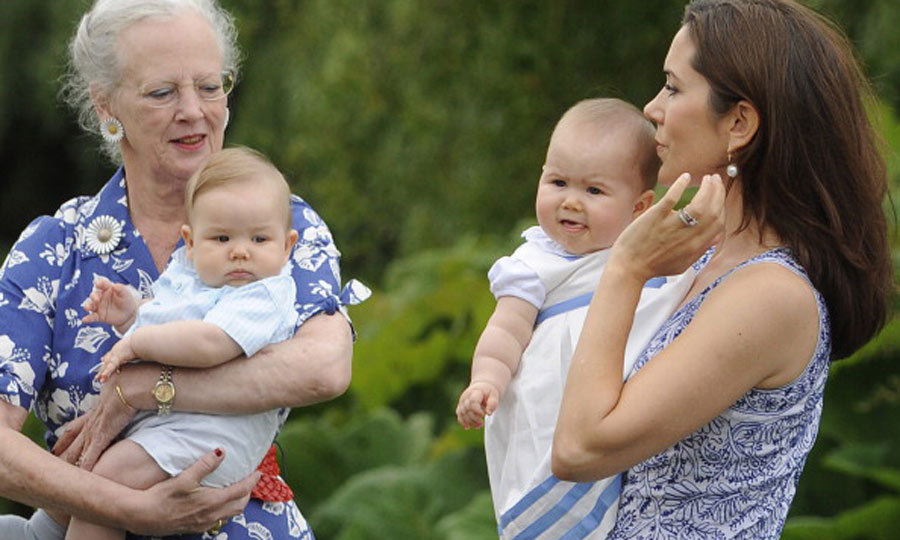 "Prince Vincent and Princess Josephine showed off their chubby cheeks at the Danish Royal castle with their mother <a href=""http://us.hellomagazine.com/tags/1/crown-princess-mary/""><strong>Crown Princess Mary</strong></a> and grandmother <a href=""http://us.hellomagazine.com/tags/1/queen-margrethe/""><strong>Queen Margrethe</strong></a>