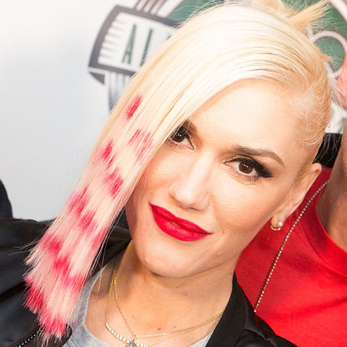 "<a href=""http://us.hellomagazine.com/tags/1/gwen-stefani/""><strong>Gwen Stefani</strong></a> changes up the highlight game and goes streaky and she looks cool as always.