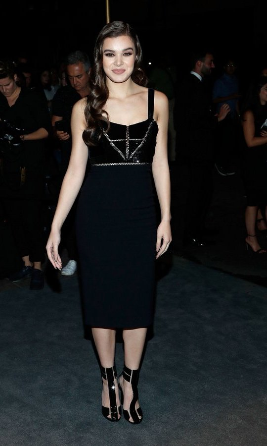 Hailee Steinfeld, gave us major Tom Ford shoe envy.
