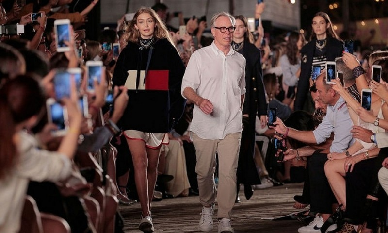 The duo took their final walk down the runway.